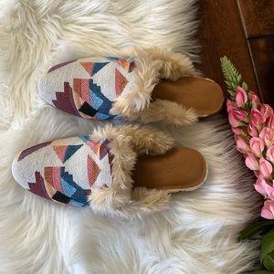 Target Universal Threads Fur Aztec Loafers. Sz 6